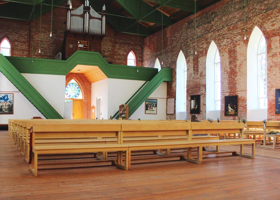Vecpiebalgas baznīca skats uz ērģelēm