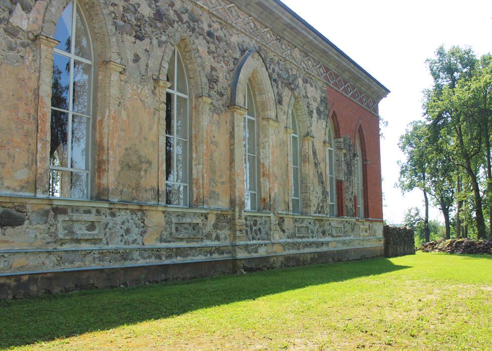 Vecpiebalgas baznīca akmens siena